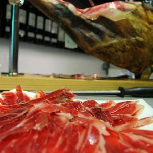 cut spanish iberico ham