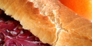 Are you with a cold? The best cure… a Spanish ham sandwitch and a couple of Spanish oranges!!!